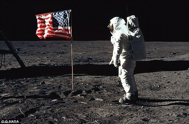 افشاگری دروغ بزرگ سفر به ماه توسط روسیه علیه ناسا و آمریکا,دروغ فدم گذاشتن بشر در کره ماه,افشاگریی روسیه علیه ناسا و امریکا در مورد سفر به کره ماه,دروغ ناسا