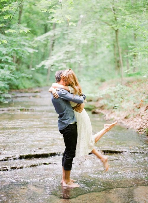 بغل و بوسه های عاشقانه دختروپسر