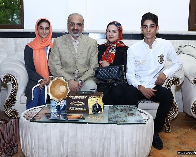 عکس محمد اصفهانی و فرزندانش
