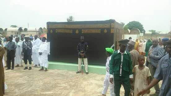 عکس های ساخت مکه در نیجریه,ساخت مکه در نیجریه,مکه نیجریه,ساخت خانه ی خدا و طواف در آن در کشور نیجریه برای جلوگیری از رفتن به عربستان