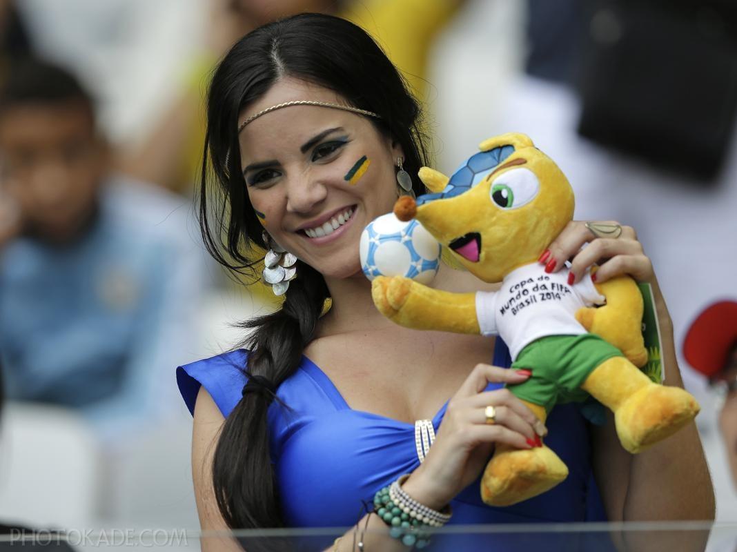 عکس خفن جام جهانی 2014 دختر سینه بزرگ