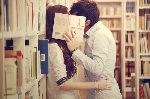 عکس بوسه های عاشقانه دزدکی2014