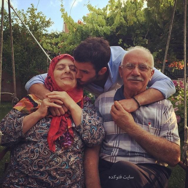 عکس پدر و مادرباریش آردوچ