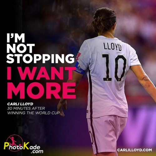 CarliLloyd-football-photokade (4)
