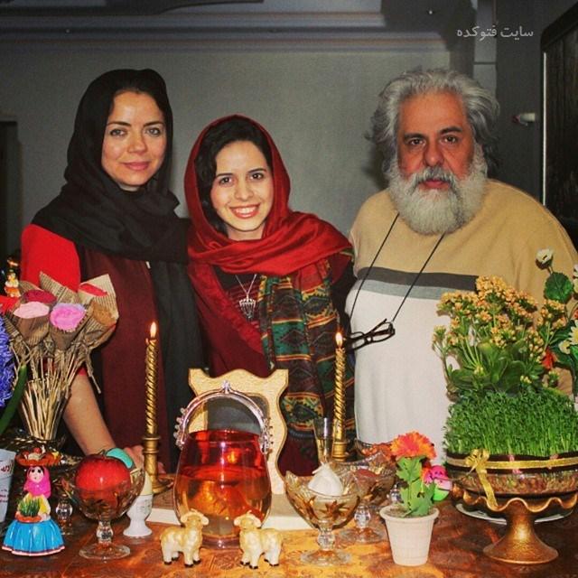عکس خانوادگی مهتاب نصیرپور و همسرش محمد رحمانیان و دخترش