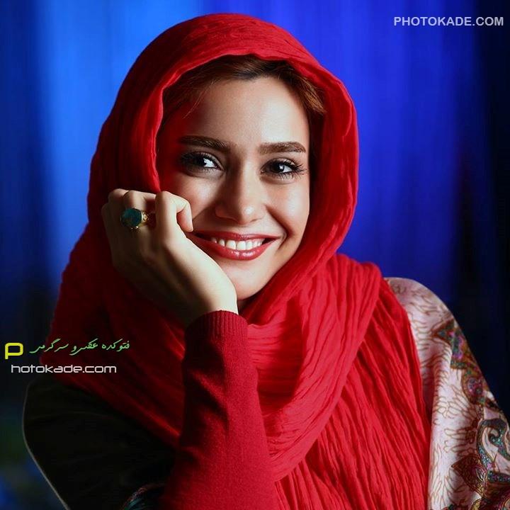 عکس نوشین طافی خواننده زن ایرانی,نوشین طافی خواننده زن مجوز گرفت با عکس,,نوشین طافی اولین خواننده زنی که مجوز گرفت,مجوز خوانندگی نوشین طافی,نوشین طافی کیست