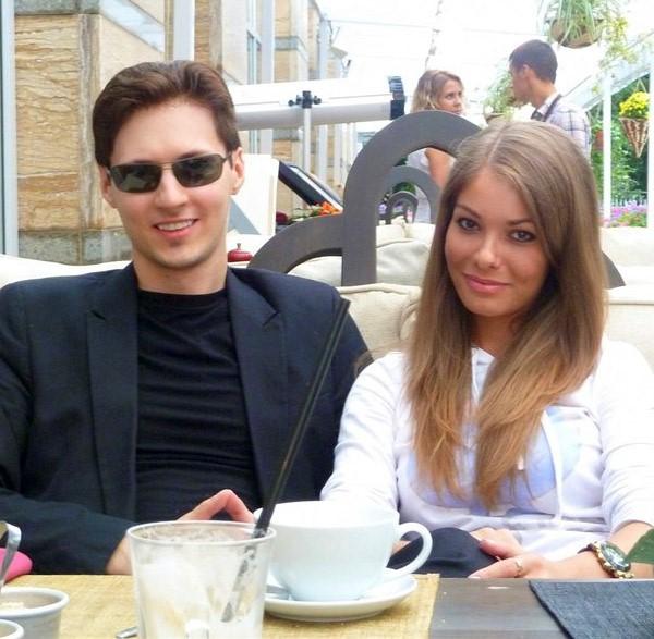 عکسپاول دورف و همسرش + بیوگرافی کامل