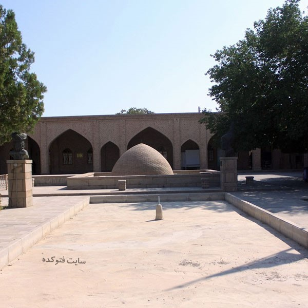 مقبره دو کمال از اماکن گردشگری تبریز
