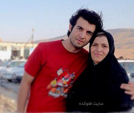 عکس عبدالله روا و مادرش