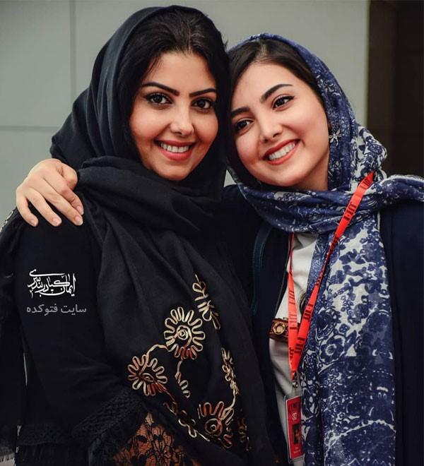عکس زیبا کرمعلی و مادرش در عکس خانوادگی هنرمندان ایرانی 98