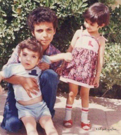 عکس کودکی عادل فردوسی پور و خواهر و برادرش + زندگینامه