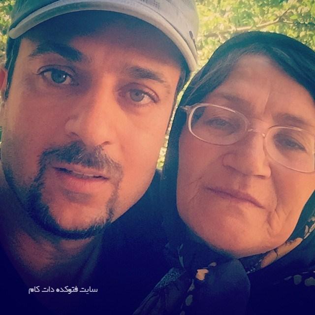 عکس احمد مهرانفر و مادرش + بیوگرافی