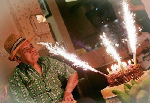 عکس جشن تولد اکبر عبدی + زندگینامه