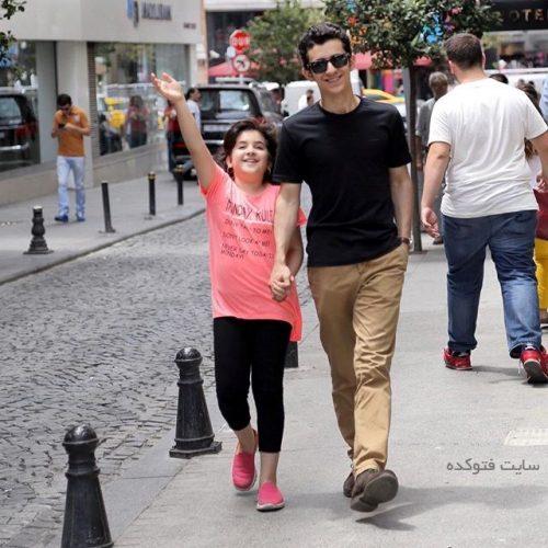 علی شادمان و خواهرش آرینا