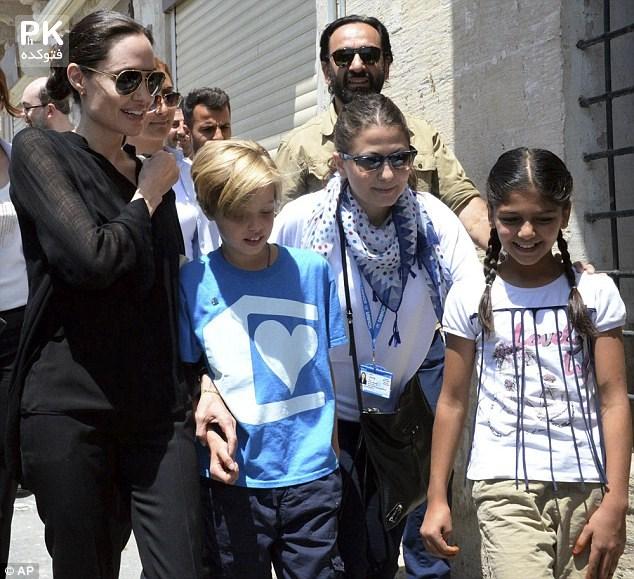 آنجلینا جولی به ترکیه رفت با عکس,عکس های آنجلینا جولی در ترکیه و دیدار با پناهندگان جنگ سوریه و عراق,عکس هایآنجلینا جولی در ترکیه و دیدار با مقامات این کشور