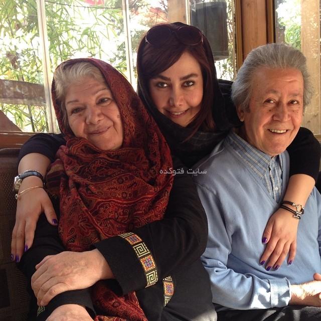 عکس آنا نعمتی در کنار پدر و مادرش