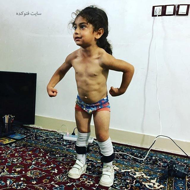 بدن ورزشکاری آرات حسینی پسر عنکبوتی ایرانی