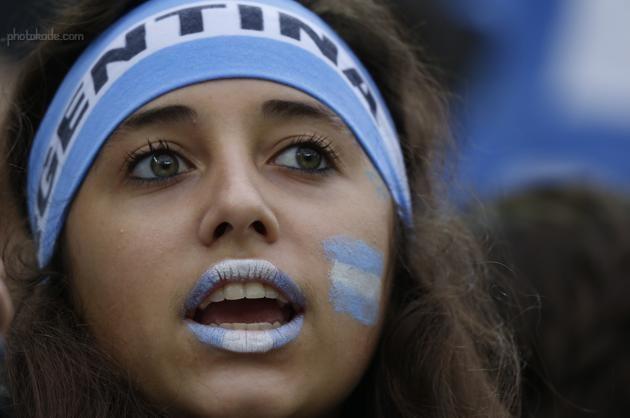 عکس دختر خوشگل بازی هلند و آرژانتین,دختر شایسته جام جهانی