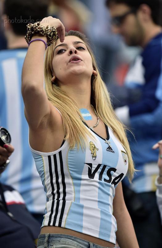 عکس بدون سانسور تماشاگر هلند و آرژانتین در جام جهانی 2014,تصاویر بدون سانسور تماشاگر آرژانتینی, عکس های هات از تماشاگران آرژانتینی,عکسهای جالب تماشاگران آرژانتین و هلند