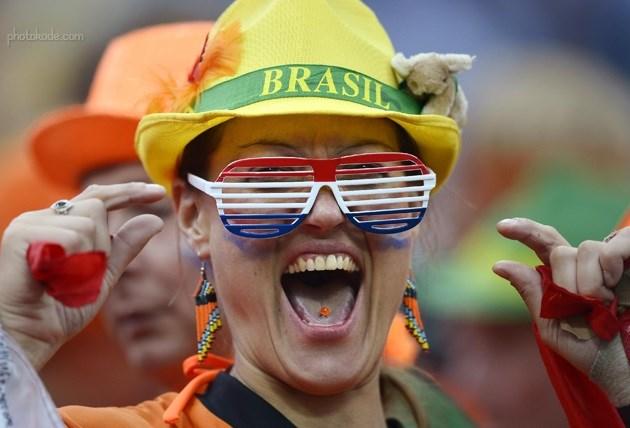 تصاویر تماشاگران زن فوتبال جام جهانی 2014 بازی هلند و آرژانتین