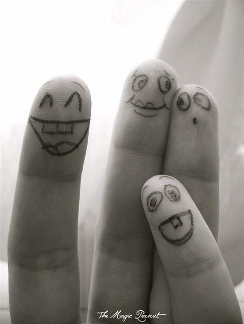 باحالترین عکس های خنده دار روی انگشت