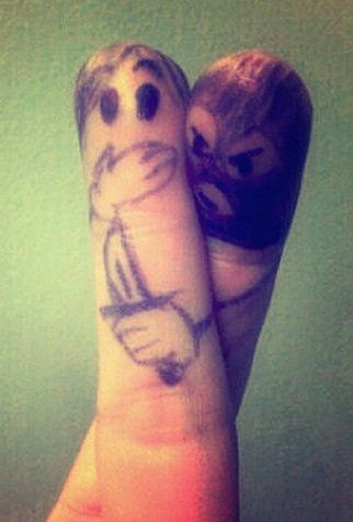 عکس بامزه هنر روی انگشت