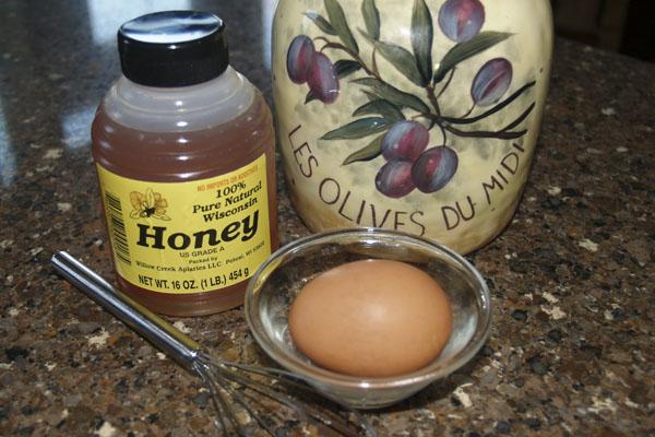 ماسک عسل و زرده تخم مرغ