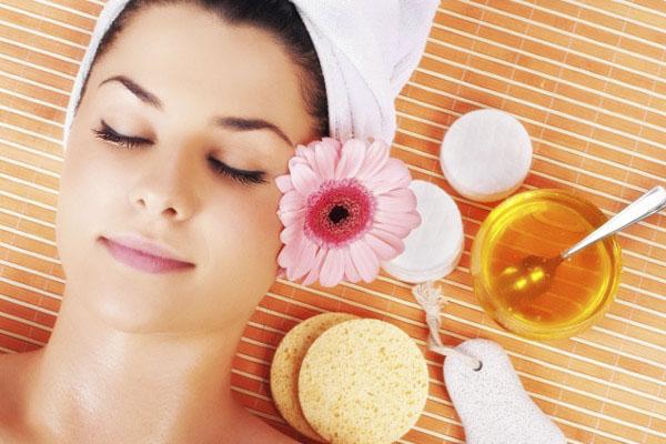 ماسک عسل برای تمیز کننده منفذهای صورت