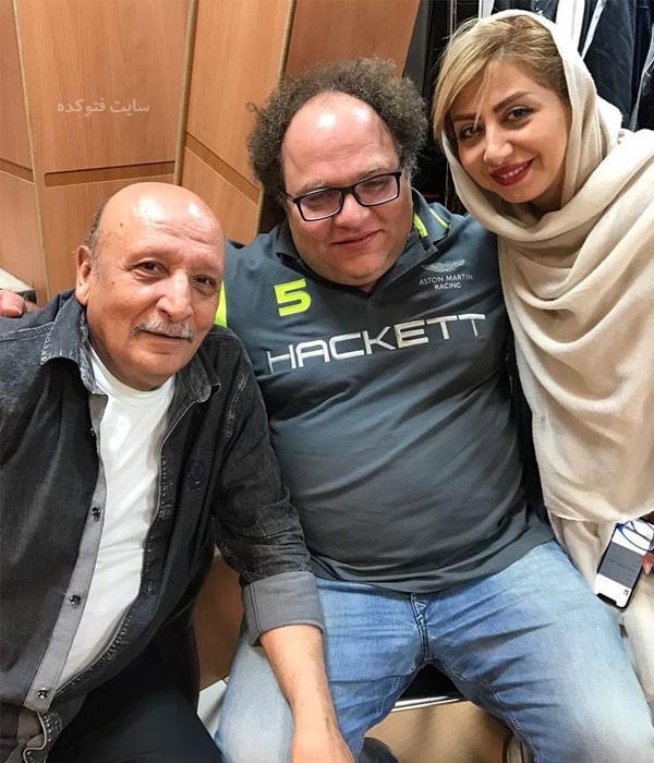 اصغر سمسارزاده در کنار مستر تستر و همسرش