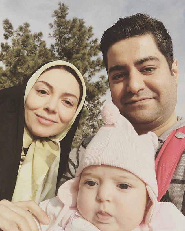 Azadeh Namdari در کنار شوهر و دخترش گندم