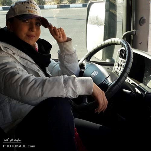 عکس های جالب زن راننده تریلر ایرانی,راننده تریلر زن ایرانی,عکس های آزاده شمس راننده ماشین سنگین در ایران,راننده زن اسکانیا در ایران,دختر راننده تریلر در ایران,دختر راننده ماشین اسکانیا,دختر ایران راننده ماشین سنگین باربری تریلر,آزاده شمس دختر راننده ماشین های سنگین در ایران,اولین زن جوان ایرانی راننده اسکانیا شد,تابوی راننده زن اسکانیا در ایران شکسته شده,عکس های راننده تریلر جالب در ایران,راننده خفن زن ایرانی اسکانیا,راننده جالب و باحال ماشین اسکانیا,راننده زن آزاده شمس ماشین سنگین تریلر 18 چرخ