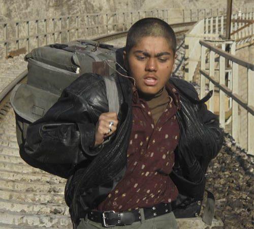 عکس آزاده زارعی در نقش پسر لات