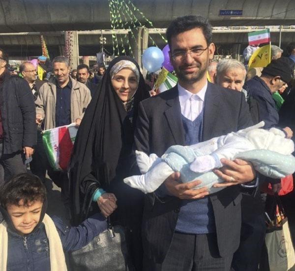 عکس آذری جهرمی و همسرش + خانواده با بیوگرافی کامل