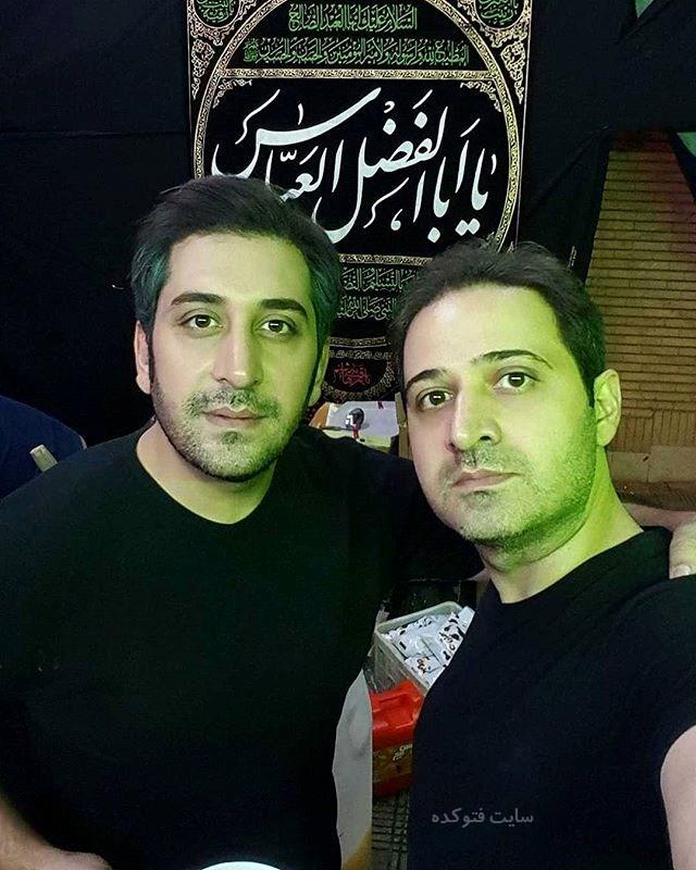 عکس وحید شیخ زاده (بیوگرافی) و برادرش سعید در هیئت عزاداری (بیوگرافی)