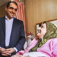 عیادت وزیر بهداشت از صدیقه کیانفر و سارا عبدالملکی