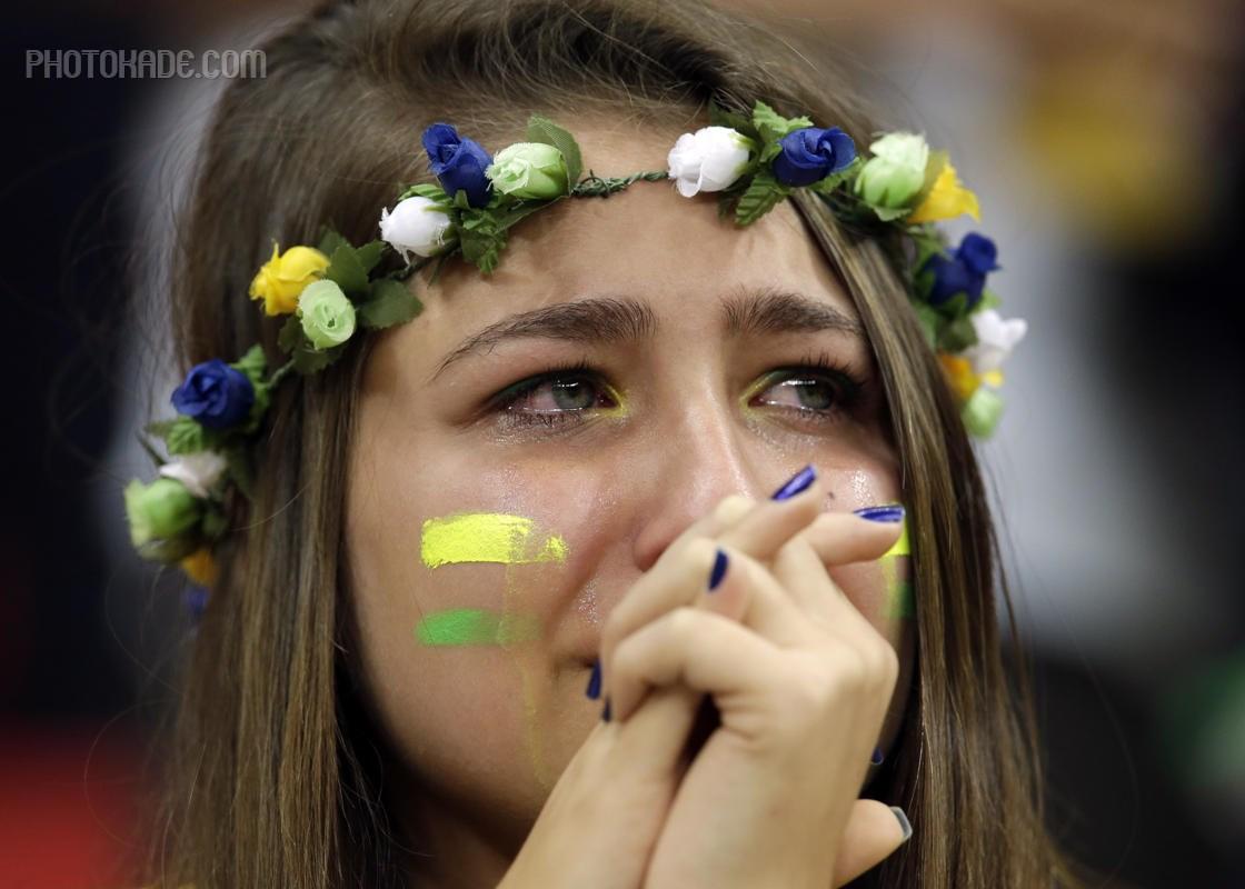 عکس تماشاگران بازی برزیل و هلند,عکس تماشاگران رده بندی جام جهانی,عکس گریه دختر طرفدار برزیل,عکس ناراحتی تماشاگران برزیلی,باخت 3 به صفر برزیل به هلند,تماشاگرن دختر ناز برزیلی,تماشاگر دختر خوشگل جام جهانی