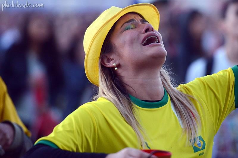 عکس تماشاگران بازی برزیل و هلند در جام جهانی 2014,عکس دختران خوشگل بازی هلند و بریل,عکس بازی رده بندی هلند و برزیل جام جهانی 2014,عکس زنان جام جهانی,عکسهای جام جهانی 2014,عکسهای تماشاگران دیدار رده بندی جام جهانی 2014, u;s jlhah'vhk fhcd igkn , fvcdg,عکسهای جام جهانی بدون سانسور,گریه تماشاگران برزیلی,عکس های خفن دیدار رده بندی هلند و برزیل