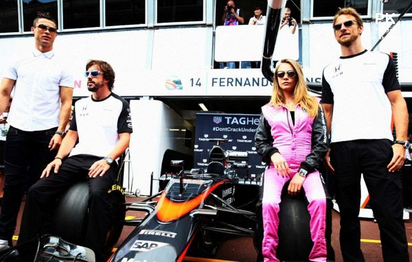 عکس کریستین رونالدو و کارا دلوینگن مدل بریتانیایی,عکس جدید کریستین رونالدو,جدیدترین عکس کریستین رونالدو در کنار مدل مشهور بریتانیایی کارا دلوینگن,عکس زن خفن