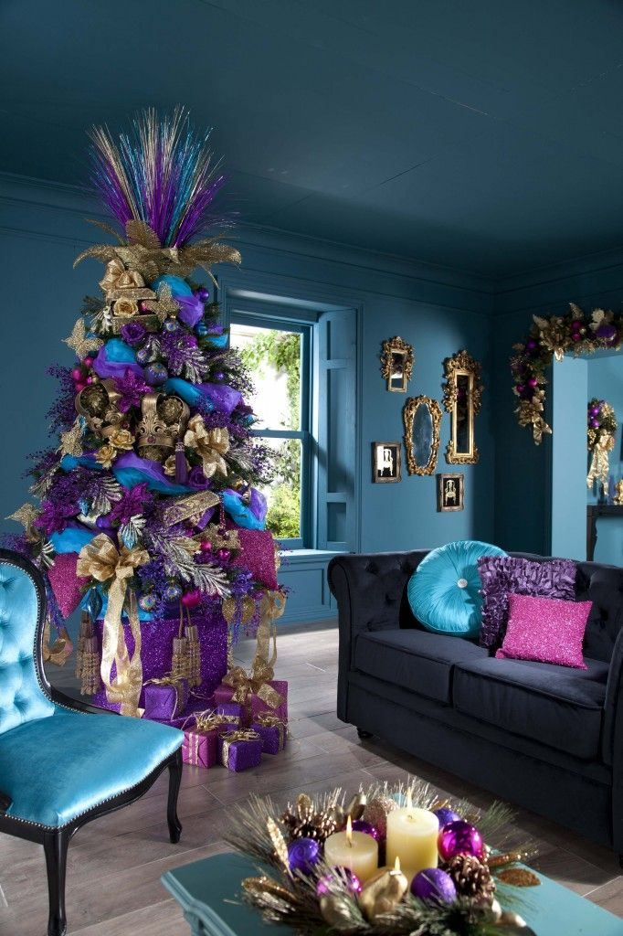 عکس درخت کریسمس با تزیینات زیبا