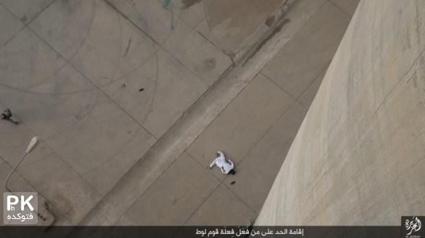 عکس داعش اعدام با پرتاب از ارتفاع,عکس داعش,جنابات داعش,عکس های اعدام داعش با پرتاب از ارتفاع,عکس اعدام های جدید داعش,اخبار داعش,تصاویر جدید اعدام داعش,isis