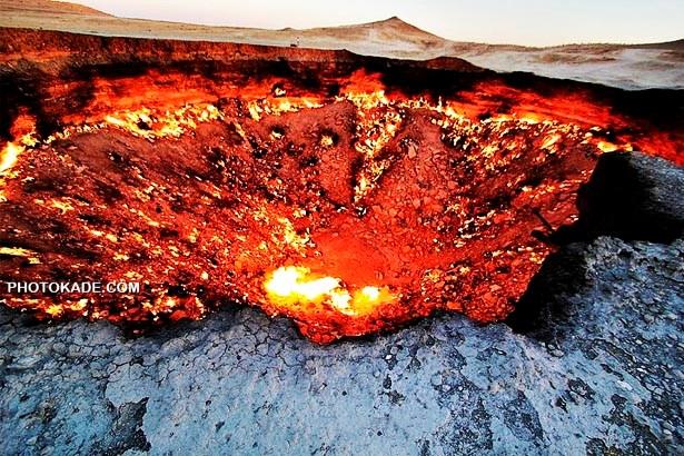 عکس ویدیو و داستان دروازه جهنم,عکس مکان های باورنکردی,عکس و ودیوی دروازه جهنم ترکمنستان,ویدیو دروازه جهنم که 40 ساله میسوزد,دروازه جهنم کجاست,Derweze,جهنم