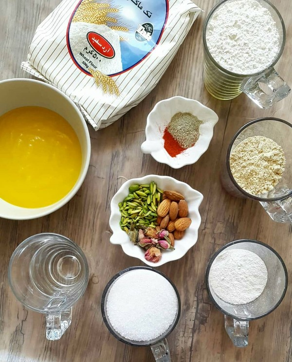 طرز تهیه حلوای سه آرده