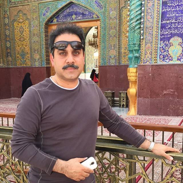 بیوگرافی دکتر محمد نظری مجری به خانه بر میگردیم