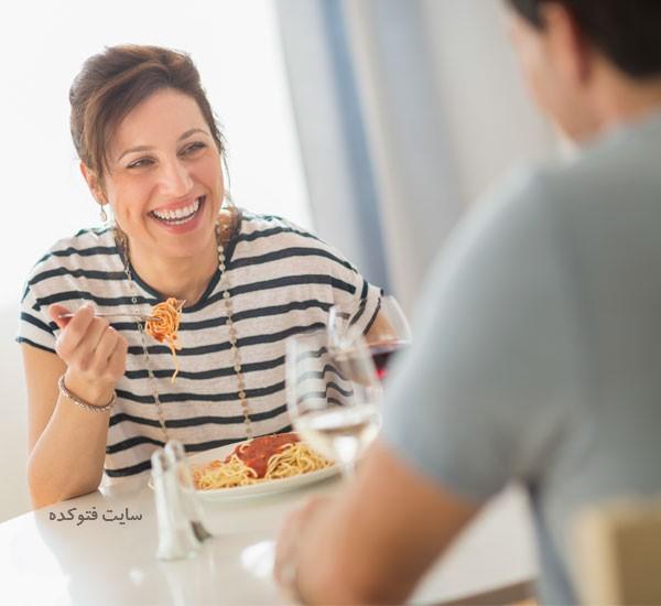 مزایای زود خوردن شام برای لاغری چیست