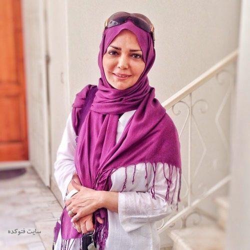 عکس الهه رضایی مجری نوستالژی دهه 60 + بیوگرافی کامل و همسرش