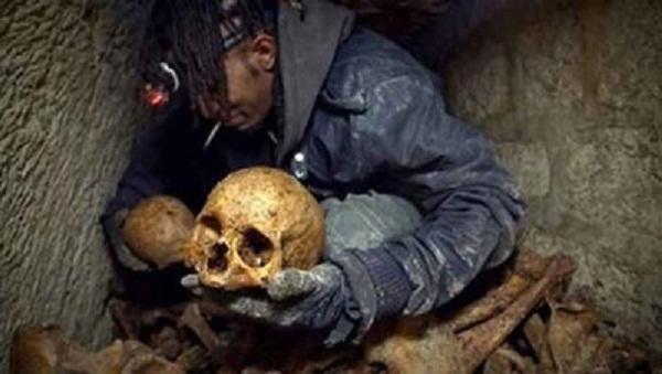 کشف جمجمه هابیل فرزند حضرت آدم,عکس جمجمه فرزندآدم,عکس اسکلت هابیل فرزند حضرت آدم,کشف کردن اسکلت هابیل فرزند آدم,قدیم ترین اسکلت جهان کشف شد,گور هابیل کشف شد
