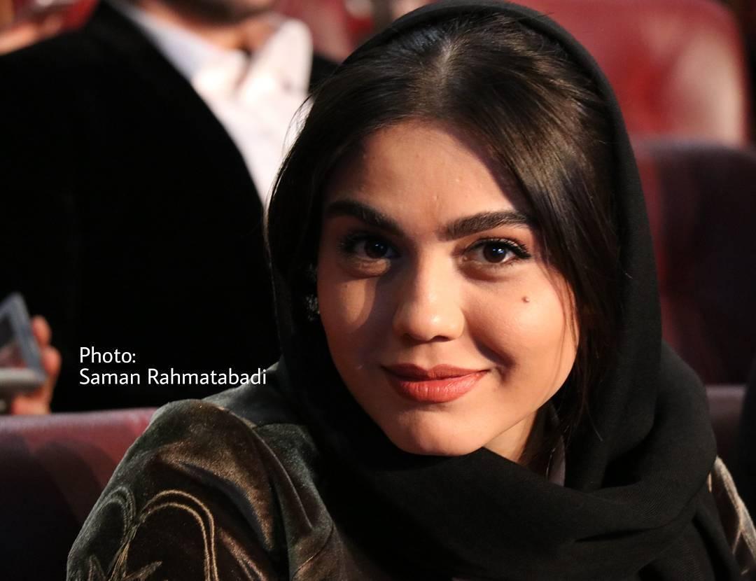 عکس آزاده زارعی در افتتاحیه جشنواره فجر 96
