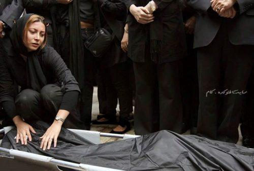 عکس فریبا نادری در مراسم تشییع همسرش مسعود رسام