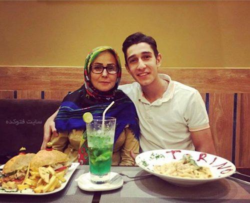 عکس فرزان عاشورزاده و مادرش