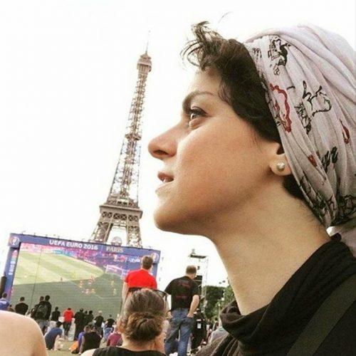 غزل شاکری یورو 2016,عکس غزل شاکری در بازی های فوتبال یورو 2016 در فرانسه,عکس بازیگر شهرزاد در کنار برج ایفل بازی های یورو 2016,غزل شاکری خارج